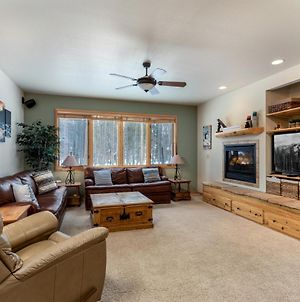 New Listing! Spacious Home With Private Hot Tub Home photos Exterior