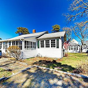 New Listing! Cape Cod Gem With Fireplace, Near Beach Home photos Exterior