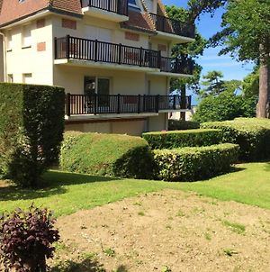 Apartment With 2 Bedrooms In Trouville-Sur-Mer, With Wonderful Sea View, Enclosed Garden And Wifi photos Exterior