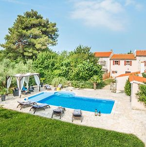 Beautiful Villa For 10 Persons In A Quiet Area With Private Pool, Beach At 10 Km photos Exterior