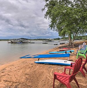 Lakefront Home With Private Beach Access! photos Exterior