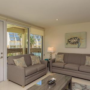 Easy Living, Down By The Sea! Close To The Beach & Pool In Beautiful Beachfront Resort photos Exterior