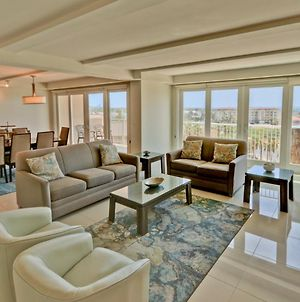 Wake Up In Paradise! Chic Bayview Condo In Beautiful Beachfront Resort, Shared Pools, Jaccuzi, Pet Friendly photos Exterior