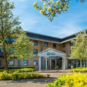Holiday Inn Express Milton Keynes, An Ihg Hotel photos Exterior