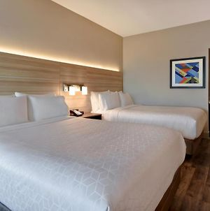 Holiday Inn Express & Suites - Galveston Beach photos Room