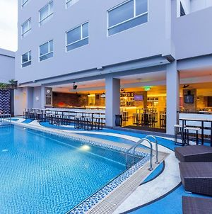 Citadines Royal Bay Makassar photos Exterior