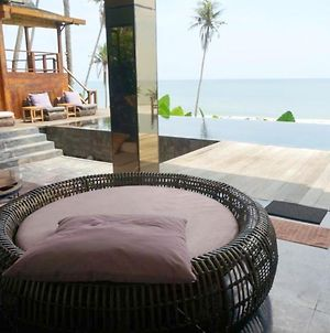 Villa With 4 Bedrooms In Kabupaten De Tabanan, With Wonderful Sea View, Private Pool, Enclosed Garden photos Exterior