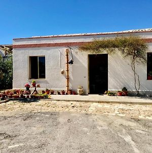 House With 2 Bedrooms In Tangi With Enclosed Garden And Wifi 25 Km From The Beach photos Exterior