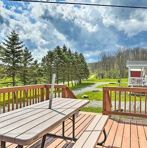 Country Cottage With Private Deck, Near Skiing! photos Exterior