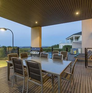 Newhaven Luxury Family Home With Bay Views, Large Pool, Jacuzzi, Tennis Court, Playground photos Exterior