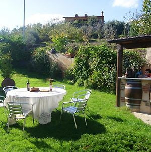 House With 3 Bedrooms In Sotoserrano With Wonderful Mountain View Terrace And Wifi 45 Km From The Slopes photos Exterior