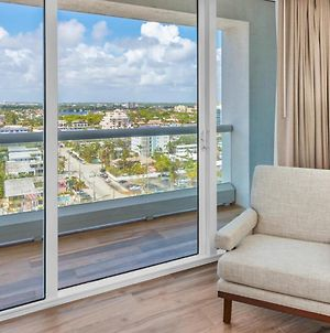 Expansive Views Luxury One Br Condo Suite Large Balcony Full Amenities photos Exterior