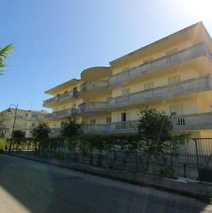 Apartment With 2 Bedrooms In Caulonia Marina With Wonderful Sea View Shared Pool Furnished Balcony 100 M From The Beach photos Exterior