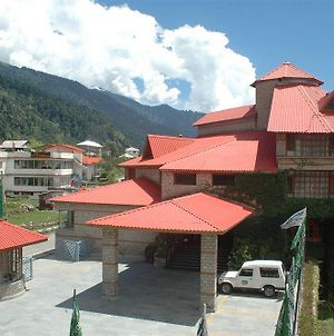 Holiday Inn Manali photos Exterior