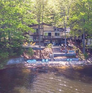 Dreamy Lakefront Getaway With Beach & Hot Tub photos Exterior