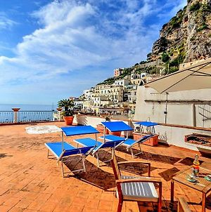 Atrani Villa Sleeps 5 Wifi photos Exterior