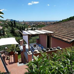 Chiavari Villa Sleeps 2 Pool Air Con Wifi photos Exterior