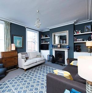 Beautiful 3Br Home In Heart Of Hackney photos Exterior