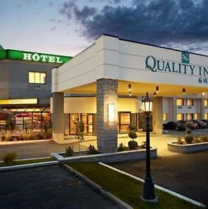 Quality Inn & Suites Brossard photos Exterior