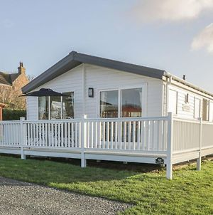 Stylish Lodge Set In The Sand Le Mere Holiday Park photos Exterior