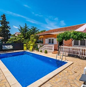 Beautiful Home In Zadar W/ Outdoor Swimming Pool And 2 Bedrooms photos Exterior