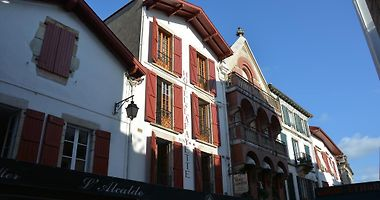 Saint Jean De Luz Hotels France Vacation Deals From 67 Usd Night Booked Net