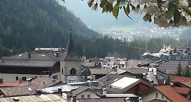 Villetta Panorama Canazei Italy From Us 108 Booked