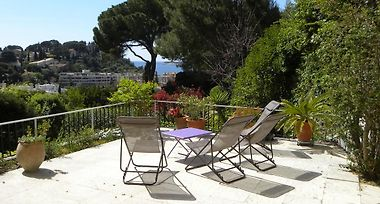 LE JARDIN DES HESPERIDES CASSIS (France) - from US$ 305 | BOOKED
