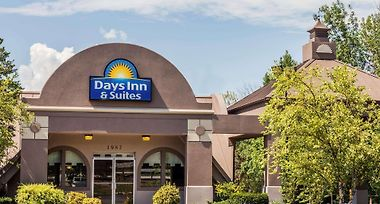 Days Inn & Suites By Wyndham Lexington photos Exterior