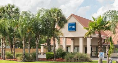 Travelodge Inn & Suites By Wyndham Jacksonville Airport photos Exterior