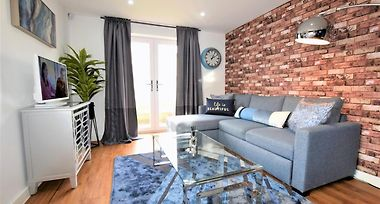 Savoy Place Your Apartment Bristol United Kingdom From