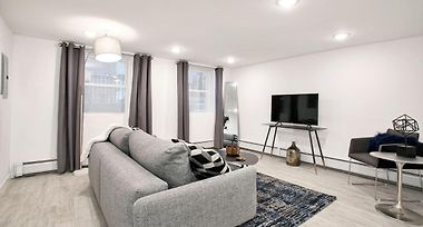 MODERN 2 BEDROOM 1 BA APARTMENT BY HOWARD MINS TO NYC JERSEY ...