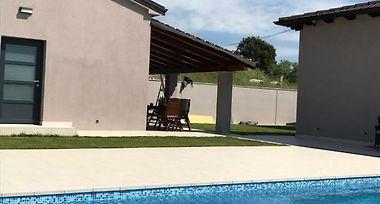 Small House Tia With Pool Pula Kroatien Von 58 Hotel Mix