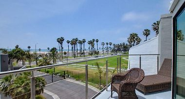Oceanfront House Near Venice Beach Los Angeles Ca United States