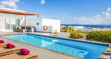 Playa Blanca Villa Sleeps 6 Pool Air Con Wifi Playa Blanca