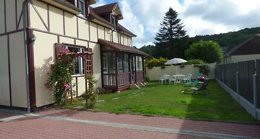 Hotel Gite Le Petit Chalet Etretat France From Us 136 Booked