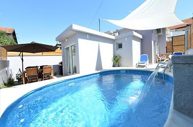 Holiday House Pop Rock With Pool Zadar Croatia From 130 Hotelmix