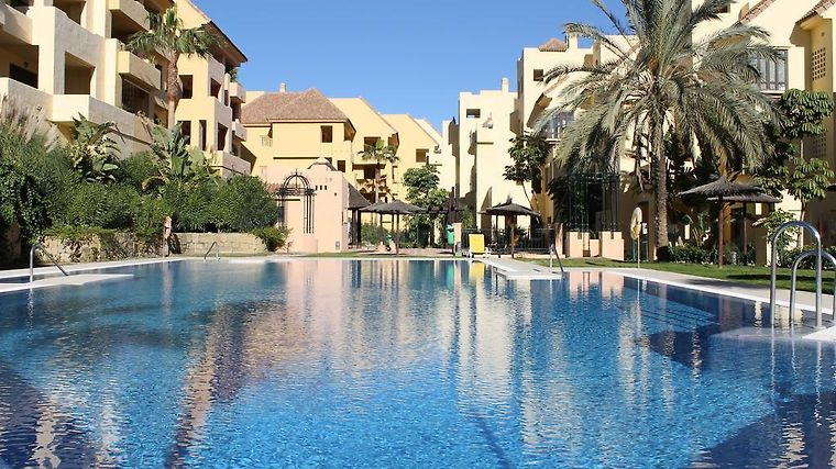 2181 Apt With Gardens And Pools Manilva Spain From Us 116