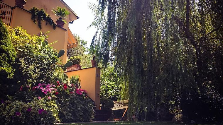 Hotel Le Pinette B B Ameglia Italy From Us 143 Booked