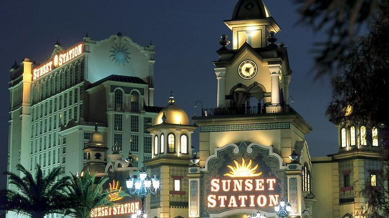 grand cafe sunset station