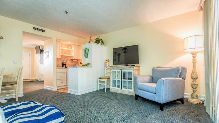 Tipsy Turtle Oceanfront 1 Bedroom Condo Indialantic Fl United States From Us 135 Booked